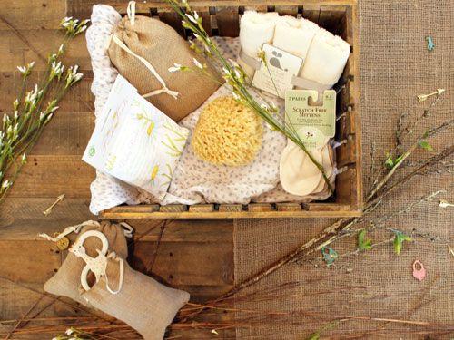 Bandeja-de-madera-con-cosmeticos-naturales