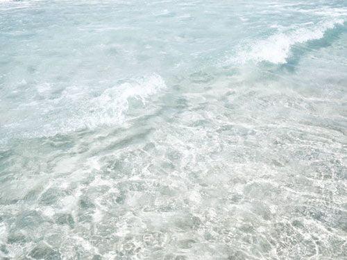 olas-de-mar-transparentes