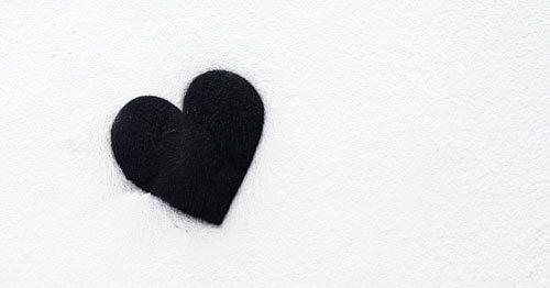 Graffitti-corazon-negro---sintomas-fisicos-ansiedad