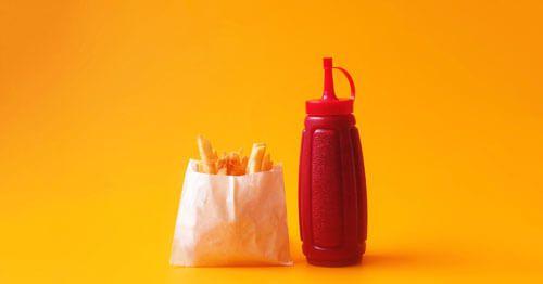 patatas-fritas-con-ketchup-cson-la-combinacion-perfecta-que-te-pide-el-cuerp-cuando-tienes-ansiedad-porque-contiene-grasas-y-carbohidratos