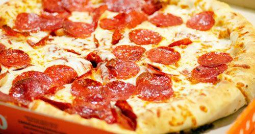 Evitar-grasas-y-lacteos-ayuda-a-reducir-gases---Pizza-de-chorizo