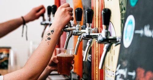 evita-refrescos-y-bebidas-con-gas-para-reducir-gases