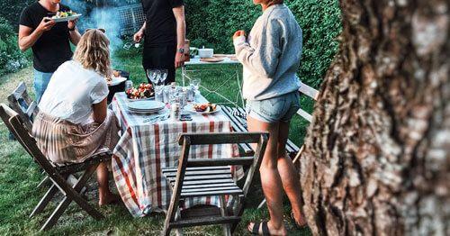 personas-en-un-picnic