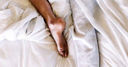 Dormir-bien-ayuda-a-reducir-el-cansancio-en-la-menopausia