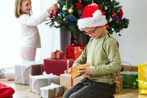 niños regalos navidad